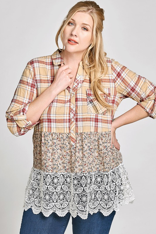 Plus Size Blissfully Yours Floral and Lace Top