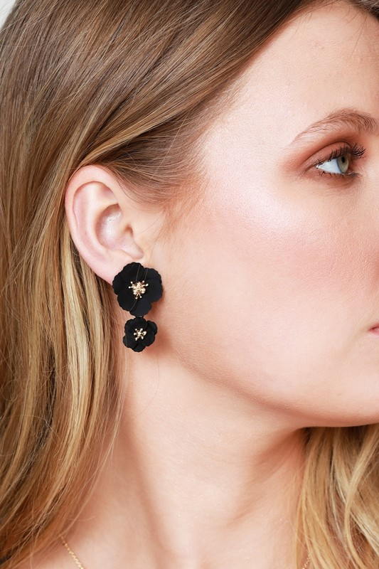 Dainty Flower Post Earrings - Black