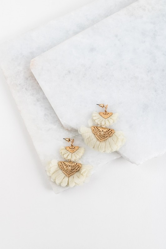 Fan Favorite Earrings - Ivory