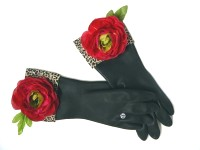 Diva Dish Gloves™ Too Haute To Handle!