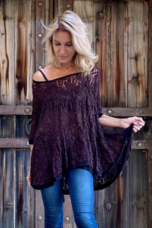 Surrealist USA Alexa Pucker Lace Top in Merlot