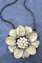 Flower Necklace - Cream w/ Pearls