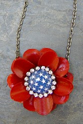 Every Heart Beats True Patriotic Flower Necklace