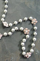 Pretty In Pearls Necklace - Pink
